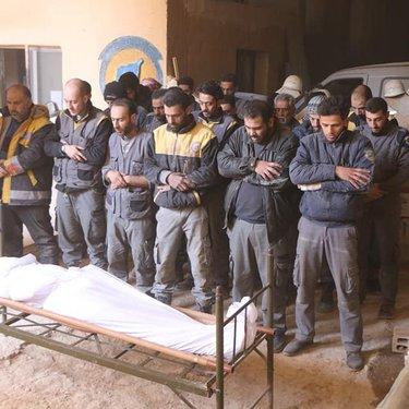 صلاة الغائب على متطوع قتل في الغوطة الشرقية