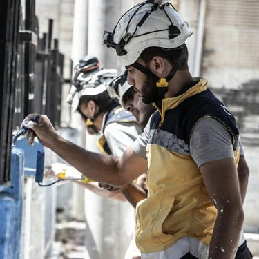 إعادة تأهيل حي سكني في إدلب